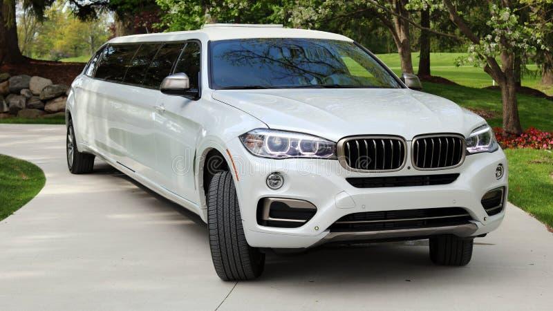 Ολοκαίνουργιο VIP BMW ευρωπαϊκό limousine πολυτέλειας ασφαλίστρου για τους αποκλειστικούς πελάτες, δράστες, πρότυπα, πολυτελές αυ στοκ φωτογραφίες με δικαίωμα ελεύθερης χρήσης