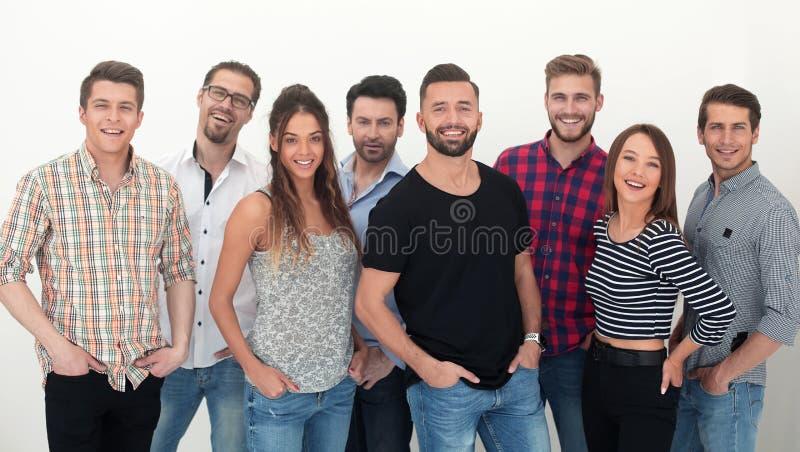 Ομάδα δημιουργικής νεολαίας που στέκεται από κοινού στοκ φωτογραφίες