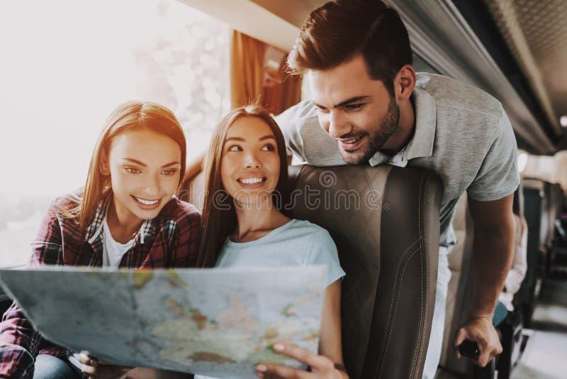Ομάδα νέου χάρτη εγγράφου εκμετάλλευσης ανθρώπων χαμόγελου στοκ εικόνα