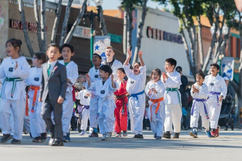 Ομάδα παιδιών τζούντου του διάσημου φεστιβάλ καμελιών πόλεων ναών στοκ εικόνες