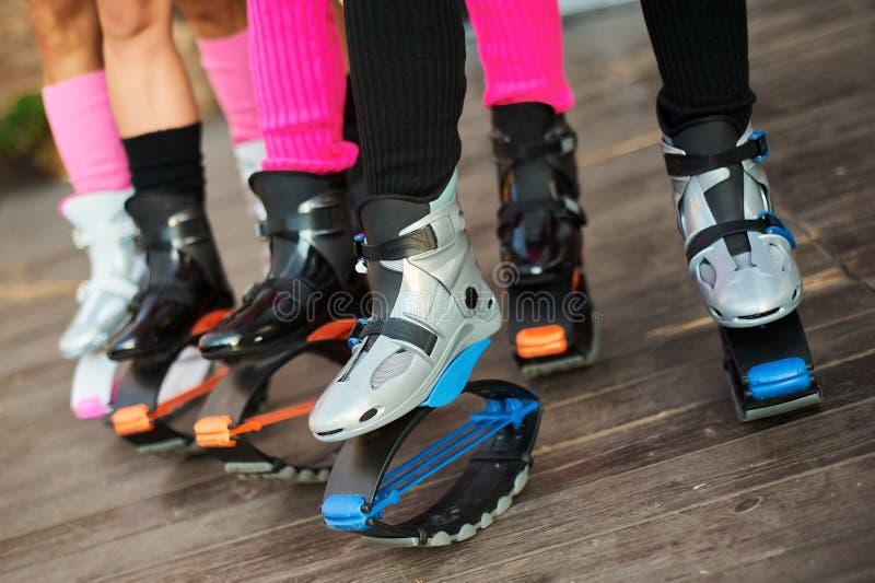 Ομάδα ποδιών των γυναικών στις μπότες αλμάτων kangoo στοκ εικόνες με δικαίωμα ελεύθερης χρήσης