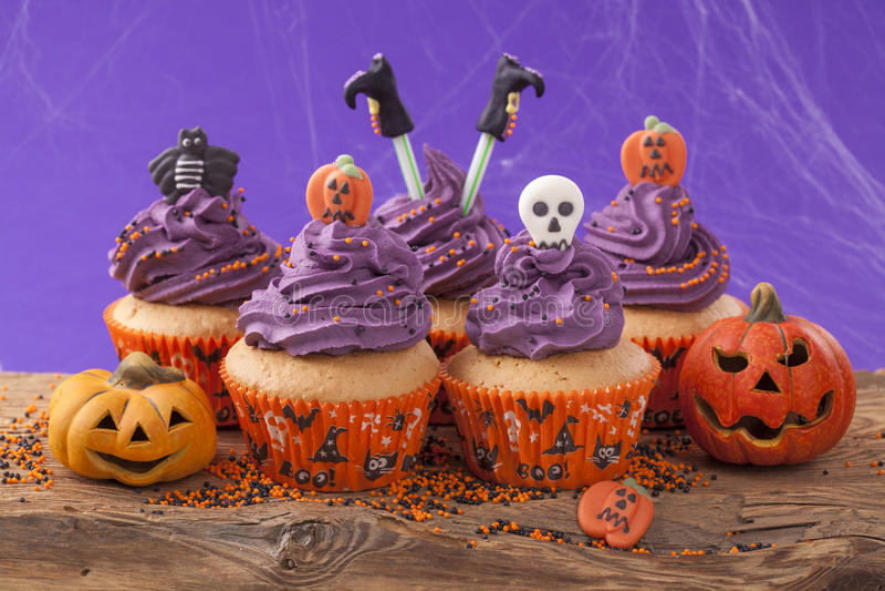 Ομάδα αποκριών cupcake στοκ φωτογραφία με δικαίωμα ελεύθερης χρήσης