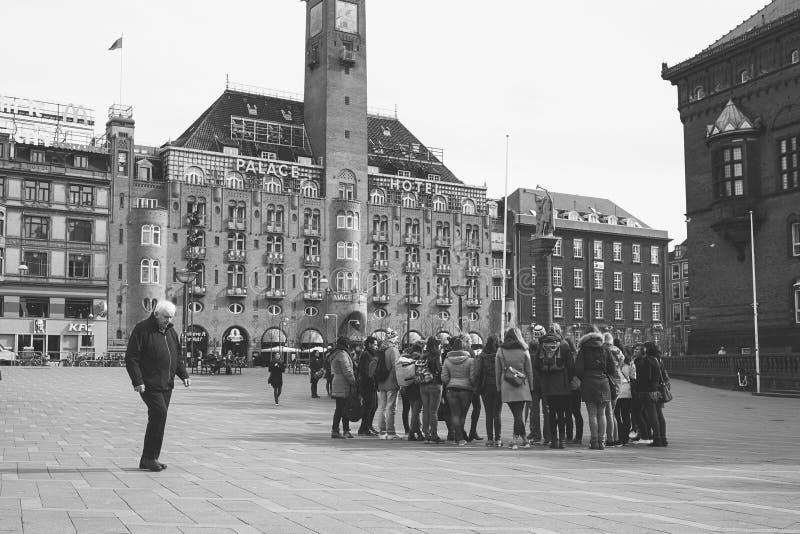 Ομάδα γύρου από την Κοπεγχάγη Δημαρχείο στοκ εικόνα
