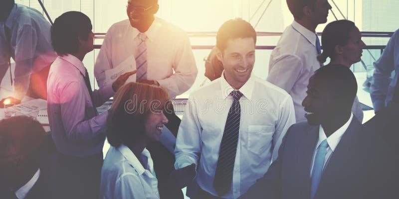 Ομάδα διαφορετικής πολυάσχολης έννοιας επιχειρηματιών Multiethnic στοκ φωτογραφίες