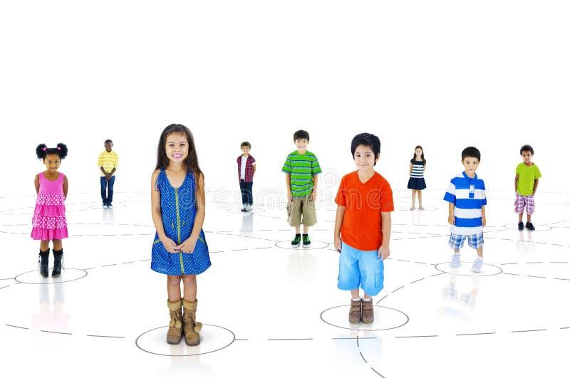 Ομάδα διαφορετικών χαριτωμένων παιδιών στοκ εικόνα με δικαίωμα ελεύθερης χρήσης