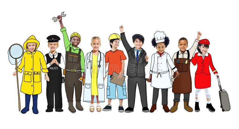Ομάδα παιδιών με τη διάφορη έννοια επαγγελμάτων ελεύθερη απεικόνιση δικαιώματος