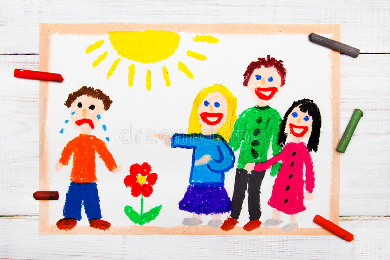 Ομάδα παιδιών που γελούν σε ένα φωνάζοντας αγόρι Σχολική βία ελεύθερη απεικόνιση δικαιώματος