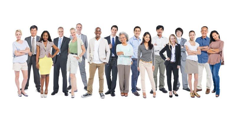 Ομάδα πολυ-εθνικών και διαφορετικών ανθρώπων στοκ εικόνα με δικαίωμα ελεύθερης χρήσης