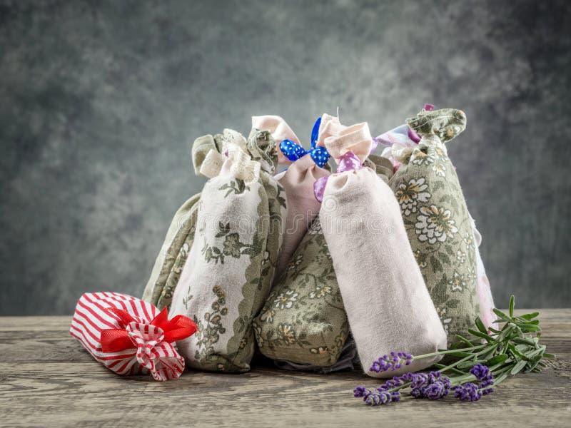Ομάδα σακουλών με ξηρό lavender στοκ εικόνα