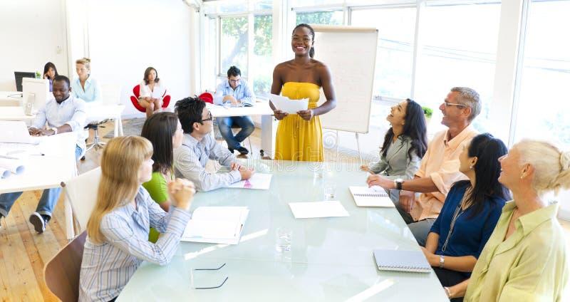 Ομάδα συνάντησης επιχειρηματιών στοκ φωτογραφία με δικαίωμα ελεύθερης χρήσης