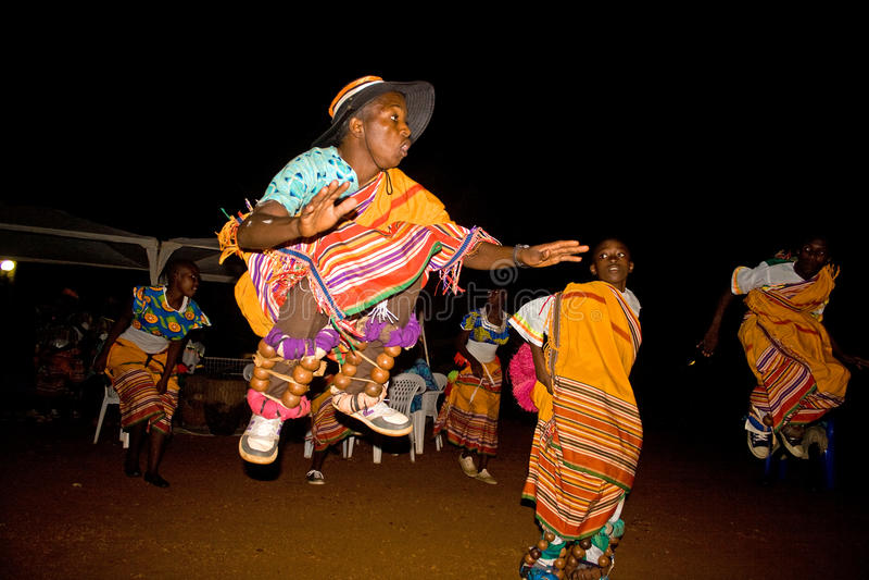Ομάδα χορού της Ουγκάντας στοκ φωτογραφία