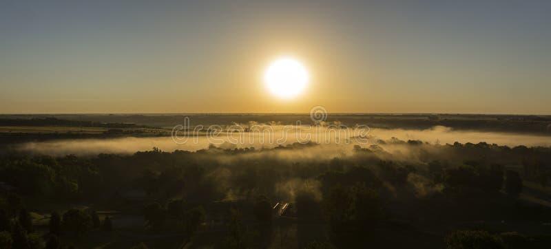 Ομίχλη ποταμών στοκ φωτογραφία με δικαίωμα ελεύθερης χρήσης