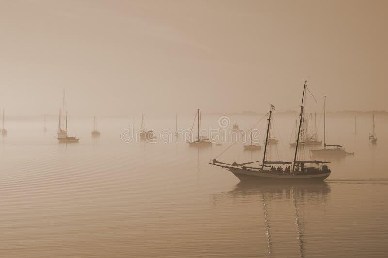 ομιχλώδης ναυσιπλοΐα πρ&ome Στοκ Φωτογραφία