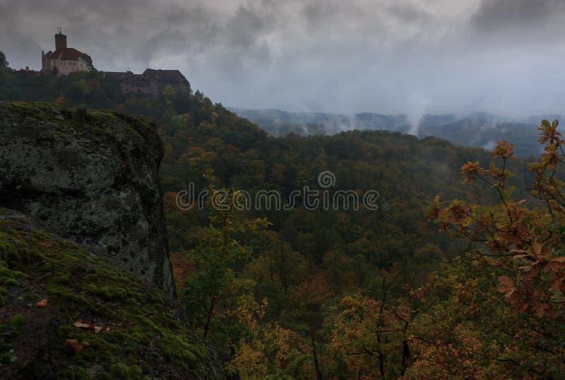 Ομιχλώδες απόγευμα σε Wartburg Castle στοκ φωτογραφίες