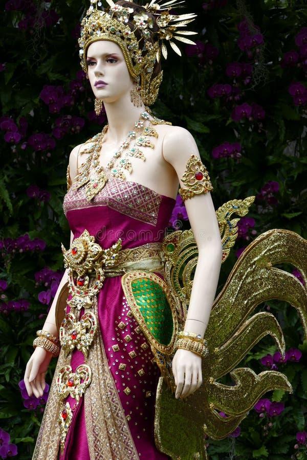 Ομοίωμα με το παραδοσιακό παλαιό φόρεμα της Ταϊλάνδης στοκ φωτογραφία με δικαίωμα ελεύθερης χρήσης