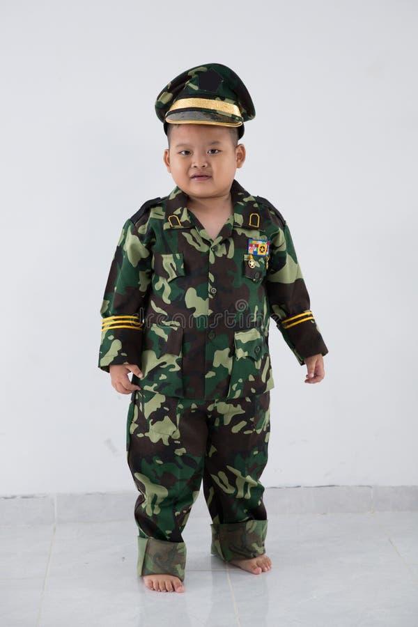Ομοιόμορφος στρατιώτης επαγγέλματος παιδάκι στοκ εικόνα με δικαίωμα ελεύθερης χρήσης