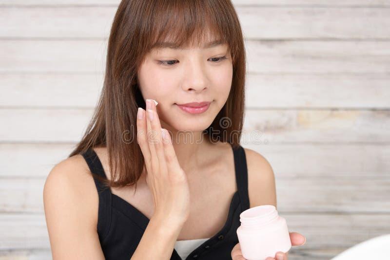 Ομορφιά και έννοια φροντίδας δέρματος στοκ εικόνες με δικαίωμα ελεύθερης χρήσης