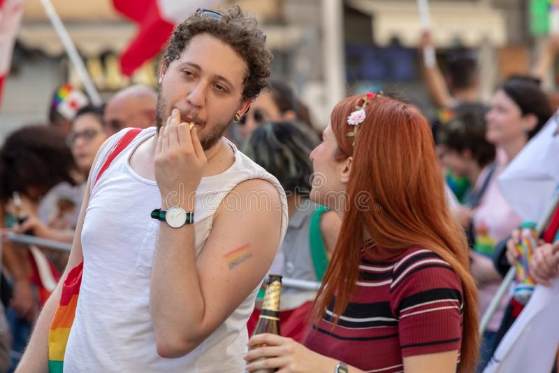 Ομοφυλόφιλη υπερηφάνεια, ομοφυλόφιλοι στην εκδήλωση στοκ εικόνα