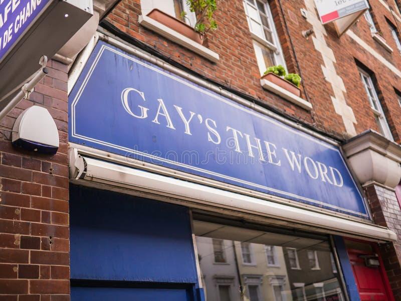Ομοφυλόφιλοι το βιβλιοπωλείο του Word -- έξω από το σημάδι, Bloomsbury στοκ εικόνα