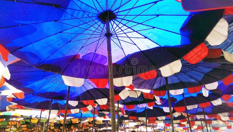 ομπρέλα διακοπών έννοιας παραλιών στοκ εικόνα