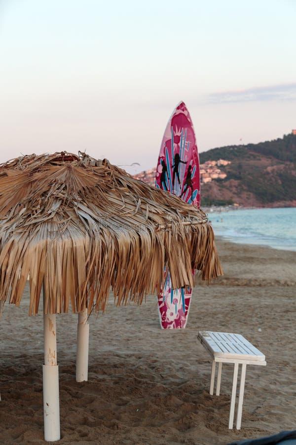 Ομπρέλα καλάμων στην παραλία της Κλεοπάτρας Alanya στοκ εικόνες με δικαίωμα ελεύθερης χρήσης