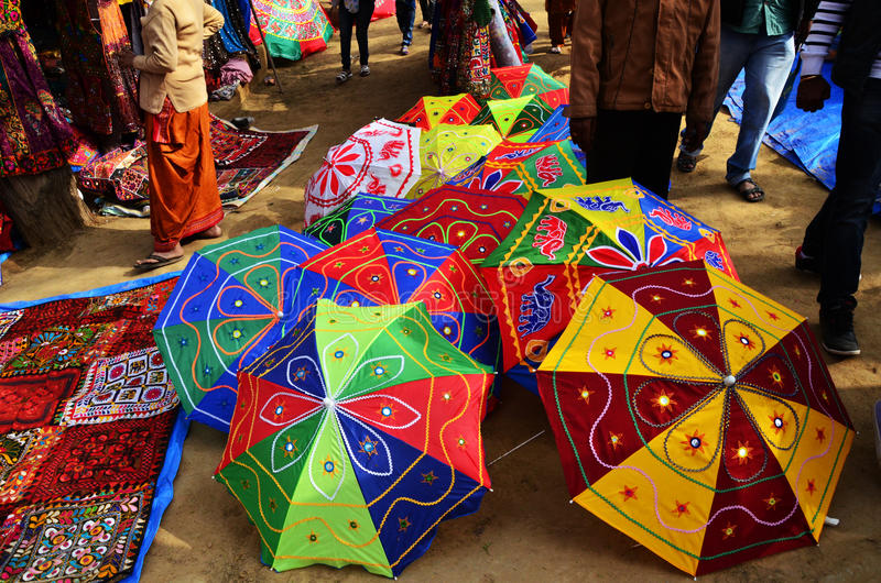 Ομπρέλα Colorfull στην ινδική έκθεση τεχνών στοκ φωτογραφία