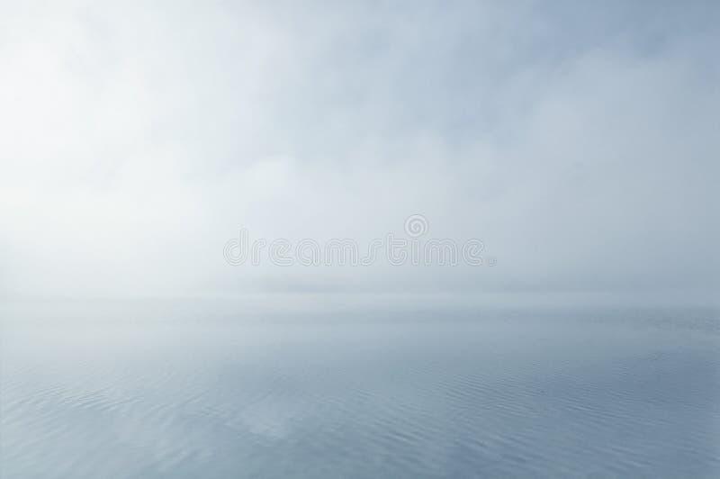 ονειροπόλο misty ύδωρ τοπίου στοκ φωτογραφίες