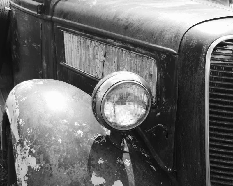 Οξυδωμένο παλαιό φορτηγό στοκ εικόνα