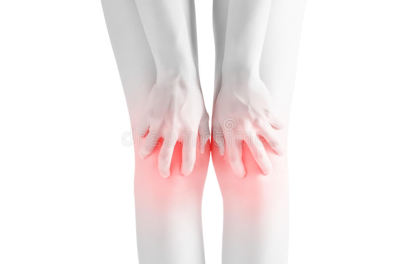 Οξύς πόνος σε ένα γόνατο γυναικών που απομονώνεται στο άσπρο υπόβαθρο Ψαλίδισμα της πορείας στο άσπρο υπόβαθρο στοκ εικόνες με δικαίωμα ελεύθερης χρήσης