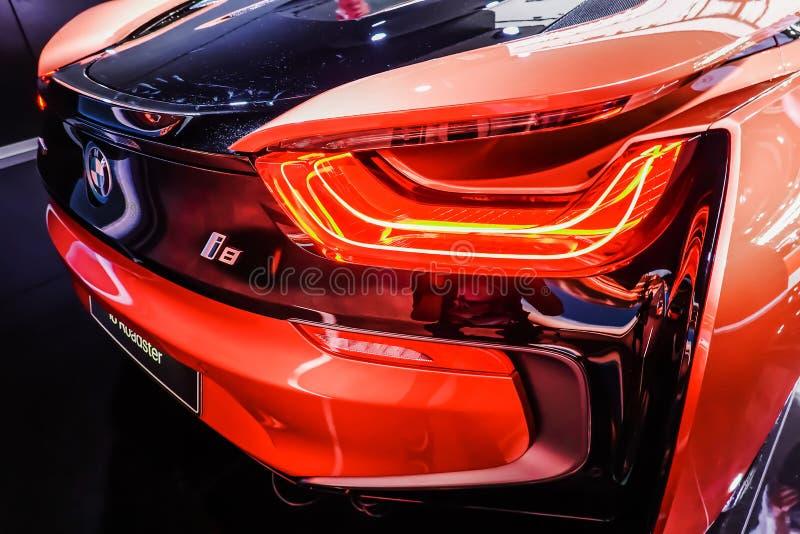 Οπισθοσκόπος ενός αθλητικού αυτοκινήτου ανοικτών αυτοκινήτων της BMW i8 που επιδεικνύεται στη διεθνή έκθεση αυτοκινήτου 2019 της  στοκ φωτογραφία με δικαίωμα ελεύθερης χρήσης