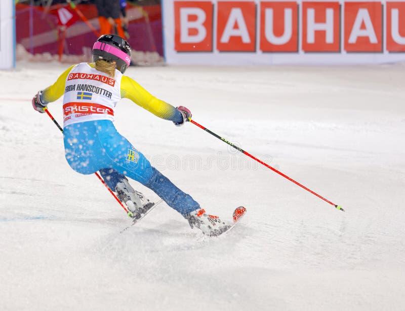 Οπισθοσκόπος Frida Hansdotter SWE στο παράλληλο slalom στοκ φωτογραφίες