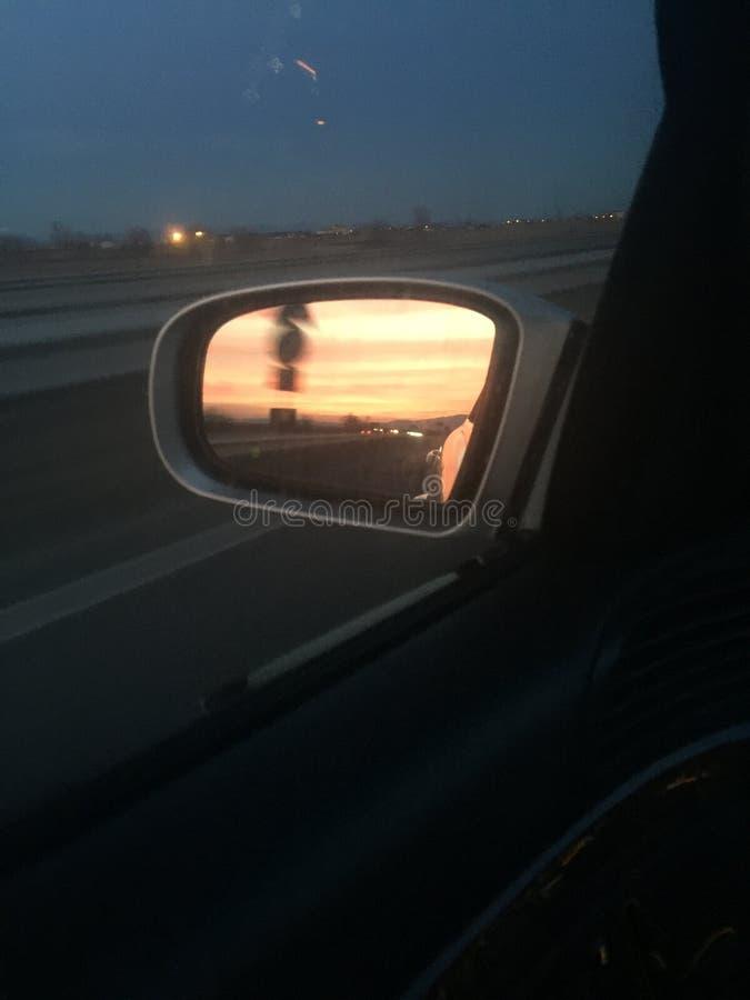 οπισθοσκόπο ηλιοβασίλεμα καθρεφτών στοκ φωτογραφία με δικαίωμα ελεύθερης χρήσης