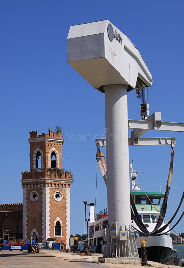 Οπλοστάσιο της Βενετίας, αρχαίος πύργος φρουράς εισόδων στοκ εικόνες