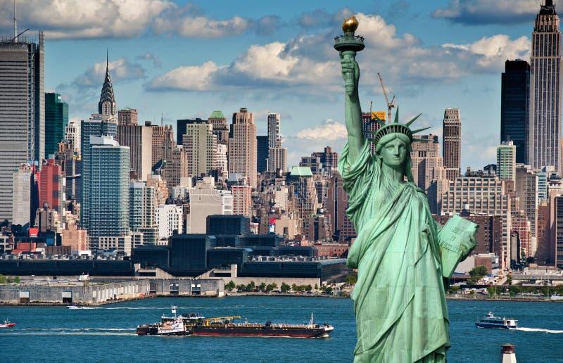 Ορίζοντας πόλεων της Νέας Υόρκης έννοιας τουρισμού στοκ εικόνες