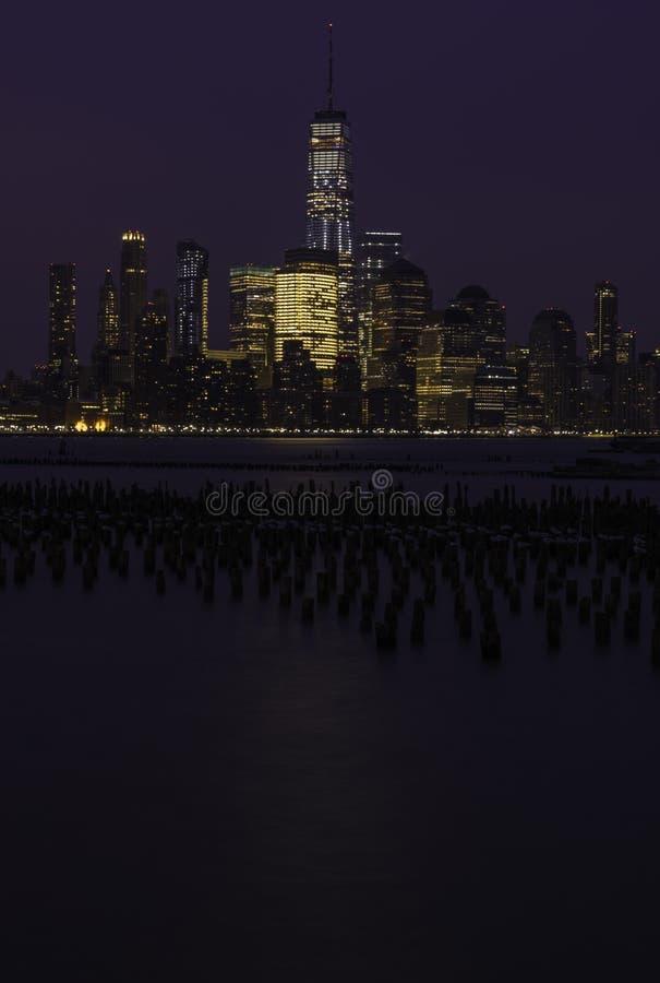 Ορίζοντας πόλεων της Νέας Υόρκης στην ανατολή στοκ εικόνα με δικαίωμα ελεύθερης χρήσης