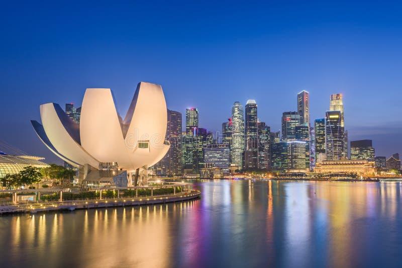 Ορίζοντας πόλεων της Σιγκαπούρης στη μαρίνα στοκ φωτογραφία με δικαίωμα ελεύθερης χρήσης