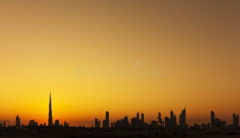 Ορίζοντας σκιαγραφιών του Ντουμπάι στοκ εικόνες