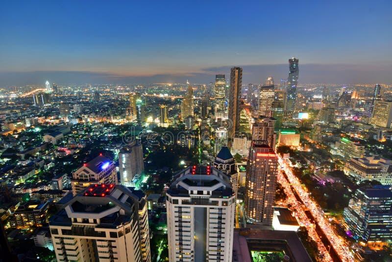 Ορίζοντας της Μπανγκόκ στο ηλιοβασίλεμα Ταϊλάνδη στοκ εικόνα