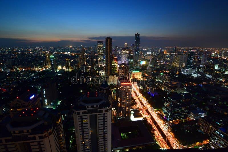 Ορίζοντας της Μπανγκόκ τή νύχτα Ταϊλάνδη στοκ εικόνα