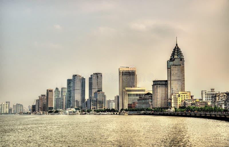 Ορίζοντας της Σαγκάη επάνω από τον ποταμό Huangpu στοκ φωτογραφίες με δικαίωμα ελεύθερης χρήσης