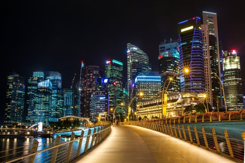 Ορίζοντας της Σιγκαπούρης, κόλπος μαρινών και πηγή Merlion στοκ φωτογραφία με δικαίωμα ελεύθερης χρήσης