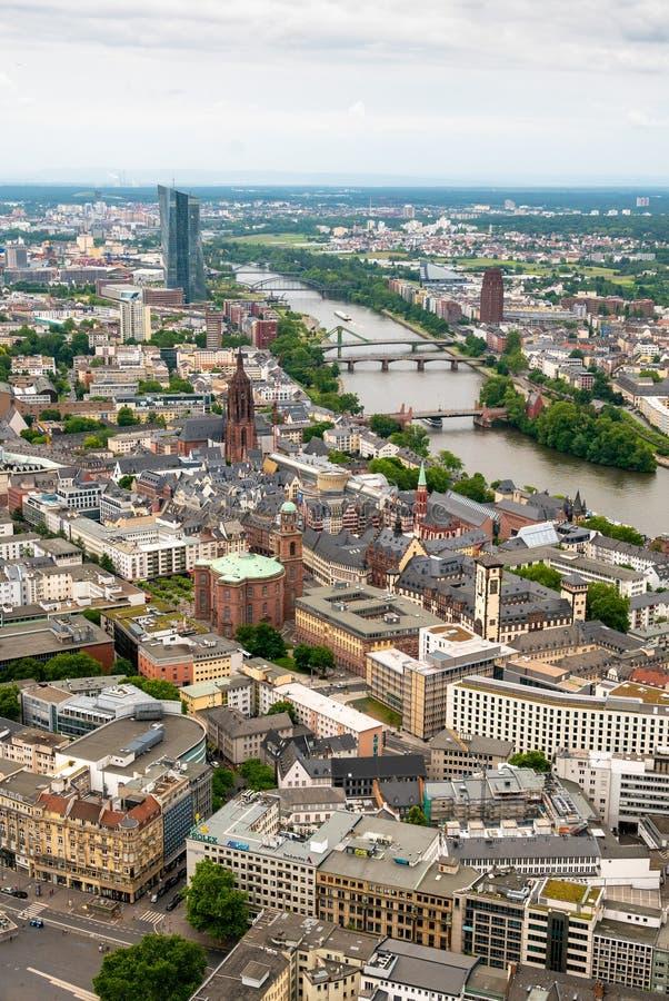 Ορίζοντας της Φρανκφούρτης από τον κύριο πύργο στοκ φωτογραφία