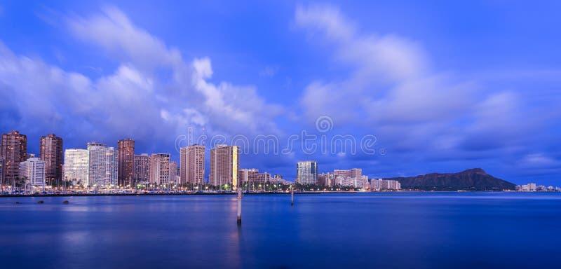 Ορίζοντας της Χαβάης στο λυκόφως στοκ εικόνες