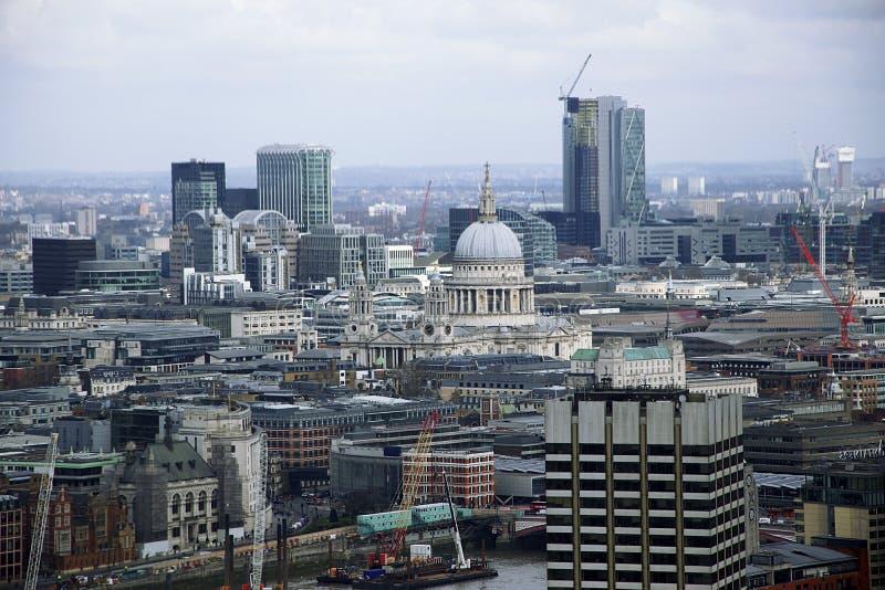 Ορίζοντας του Λονδίνου που φωτογραφίζεται από το μάτι του Λονδίνου στοκ εικόνες
