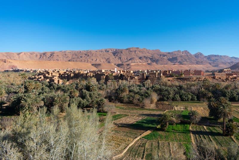 Ορίζοντας του Μαρόκου Tinghir με το καλλιεργήσιμο έδαφος στοκ εικόνα
