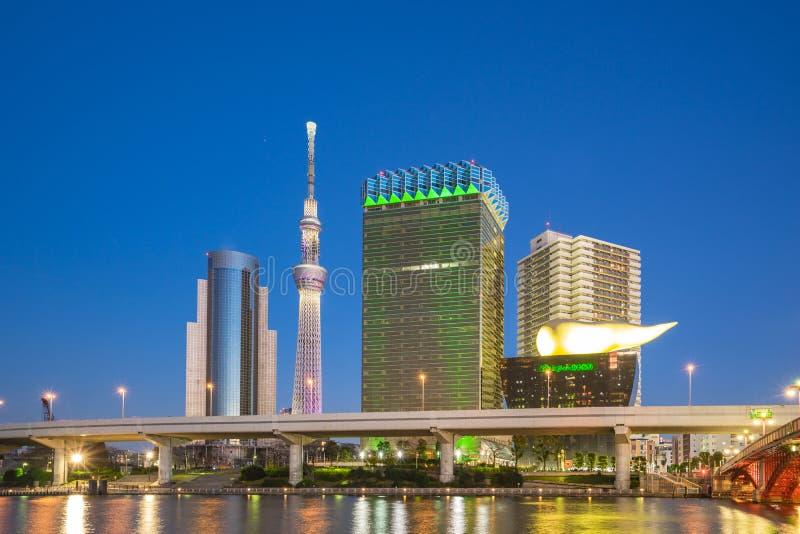 Ορίζοντας του Τόκιο τη νύχτα στο Τόκιο, Ιαπωνία στοκ εικόνες