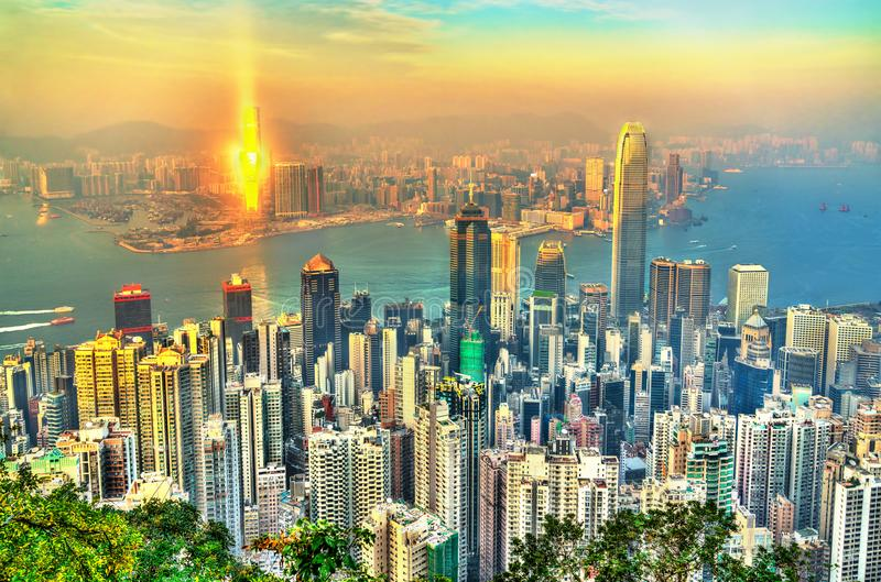 Ορίζοντας του Χονγκ Κονγκ από την αιχμή Βικτώριας στοκ εικόνες