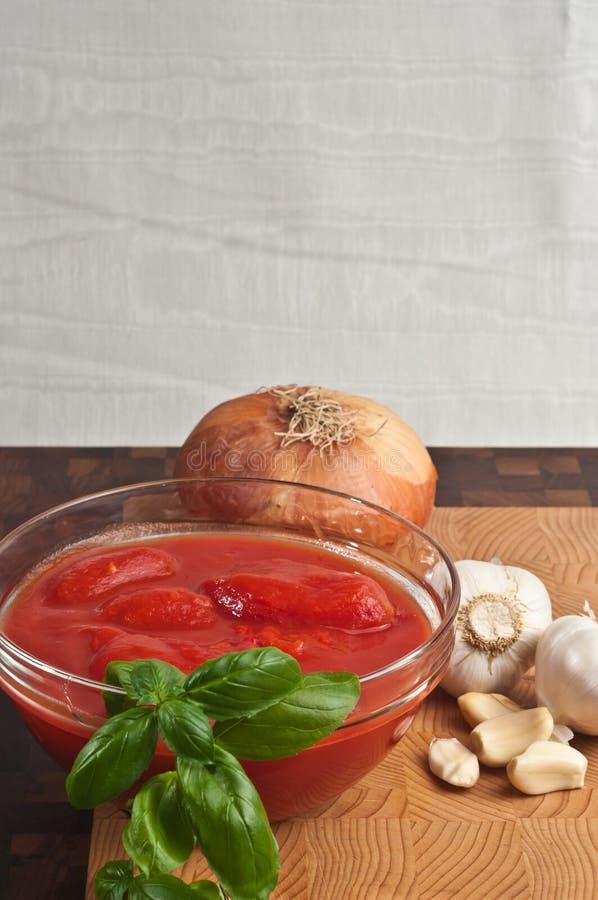Οργανικά συστατικά για τη σπιτική σάλτσα ζυμαρικών στοκ εικόνες με δικαίωμα ελεύθερης χρήσης
