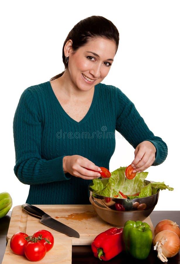 οργανική σαλάτα προετοιμασιών στοκ εικόνες με δικαίωμα ελεύθερης χρήσης