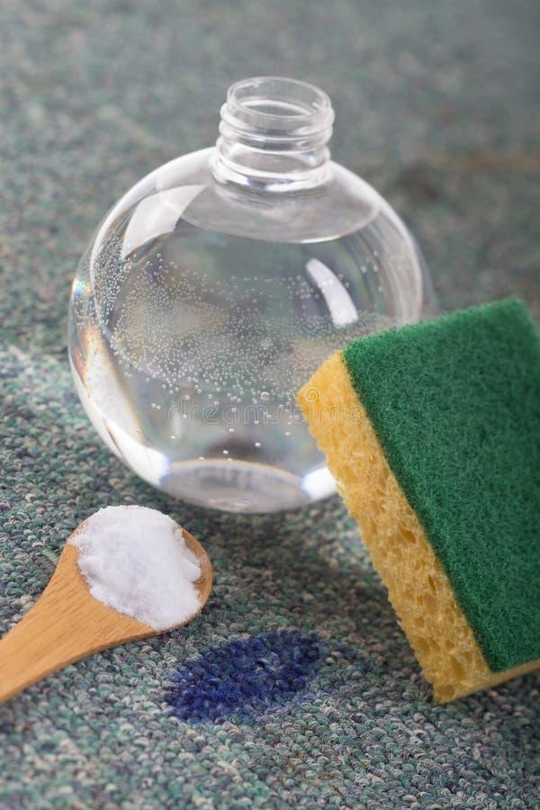 Οργανικοί καθαριστές για να αφαιρέσει τους λεκέδες στοκ φωτογραφία